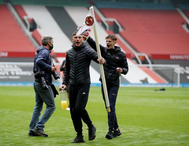 Disturbios en Old Trafford y suspenden en Manchester United contra  Liverpool | Hoy Fut Fútbol Internacional
